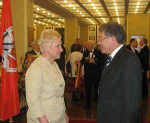 Presedintele Mihai Ghimpu intr-o discutie informala cu Presedintele Parlamentului Lituaniei (martie 2010)